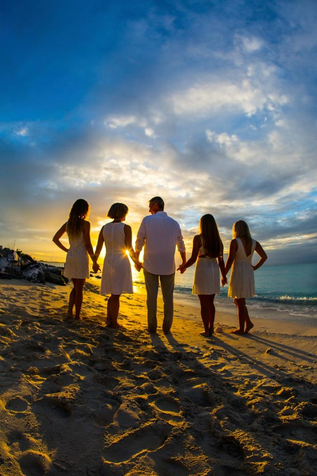 Paradise-Photography-Turks-and-Caicos-lifestyle-family-secluded-beach