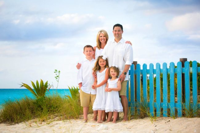 Paradise-Photography-lifestyle-family-secluded-beach