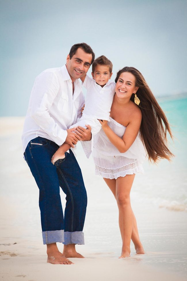 photography-turks-and-caicos-family-beach