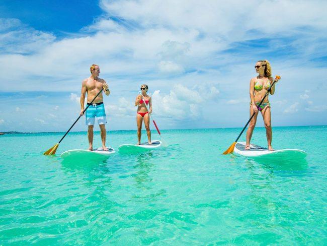 Palms-lifestyle-paddle-boarding